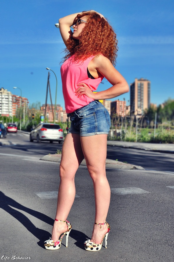 street style - sexy girl
