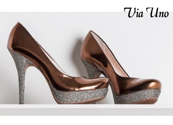 zapato dorado Via Uno